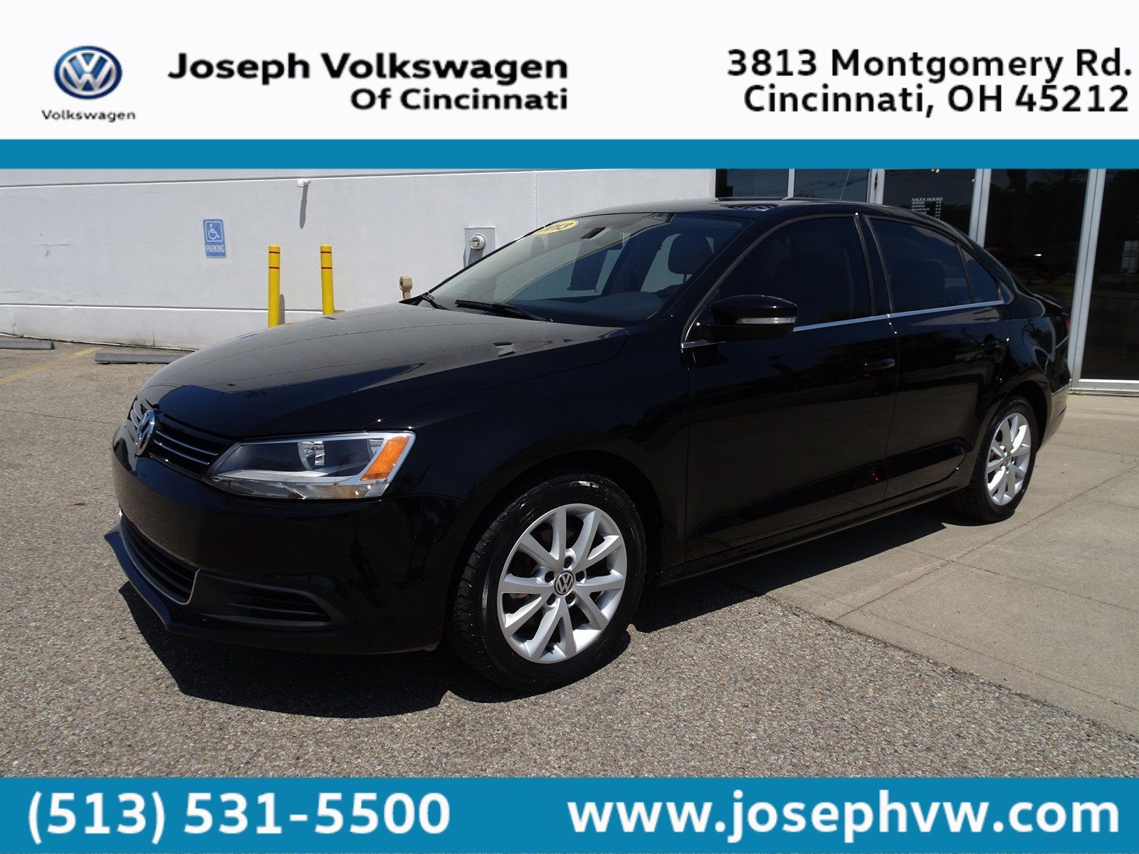 Pre-Owned 2013 Volkswagen Jetta Sedan SE w/Convenience